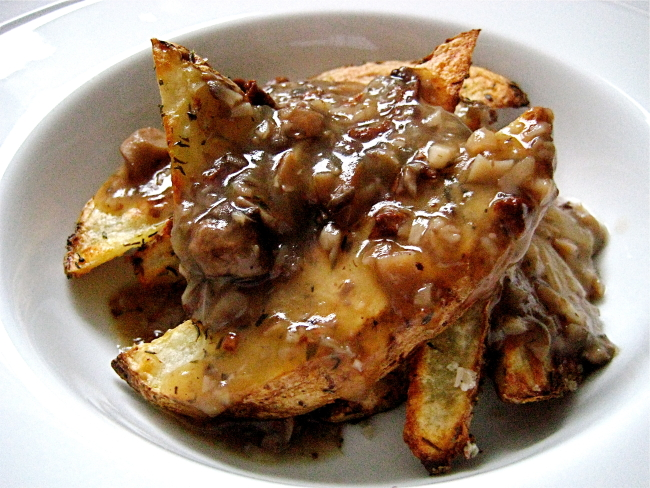 Thick-Cut Fries with Tri-Mushroom Gravy2