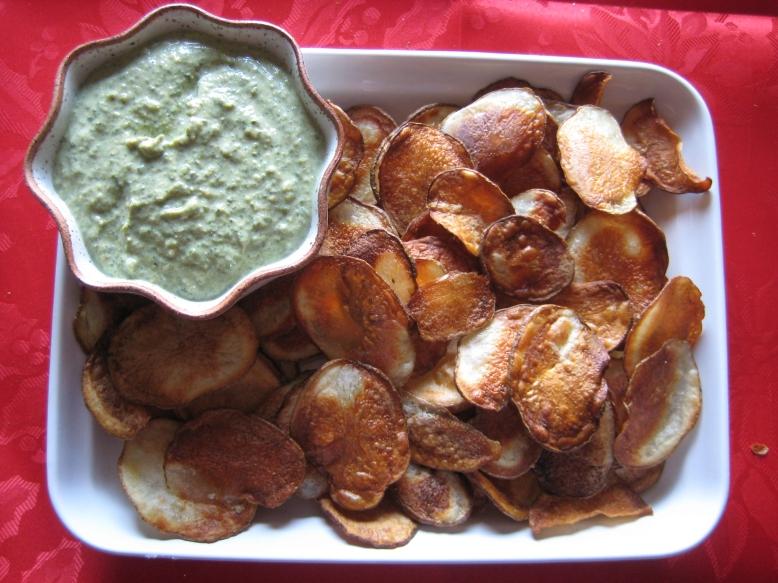 Crispy Potato Chips with Onion Kale Dip – Laurie Sadowski