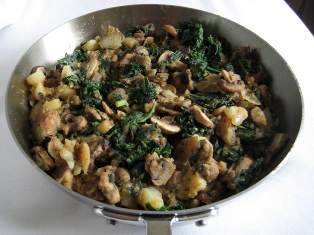 potato kale mushroom skillet 2