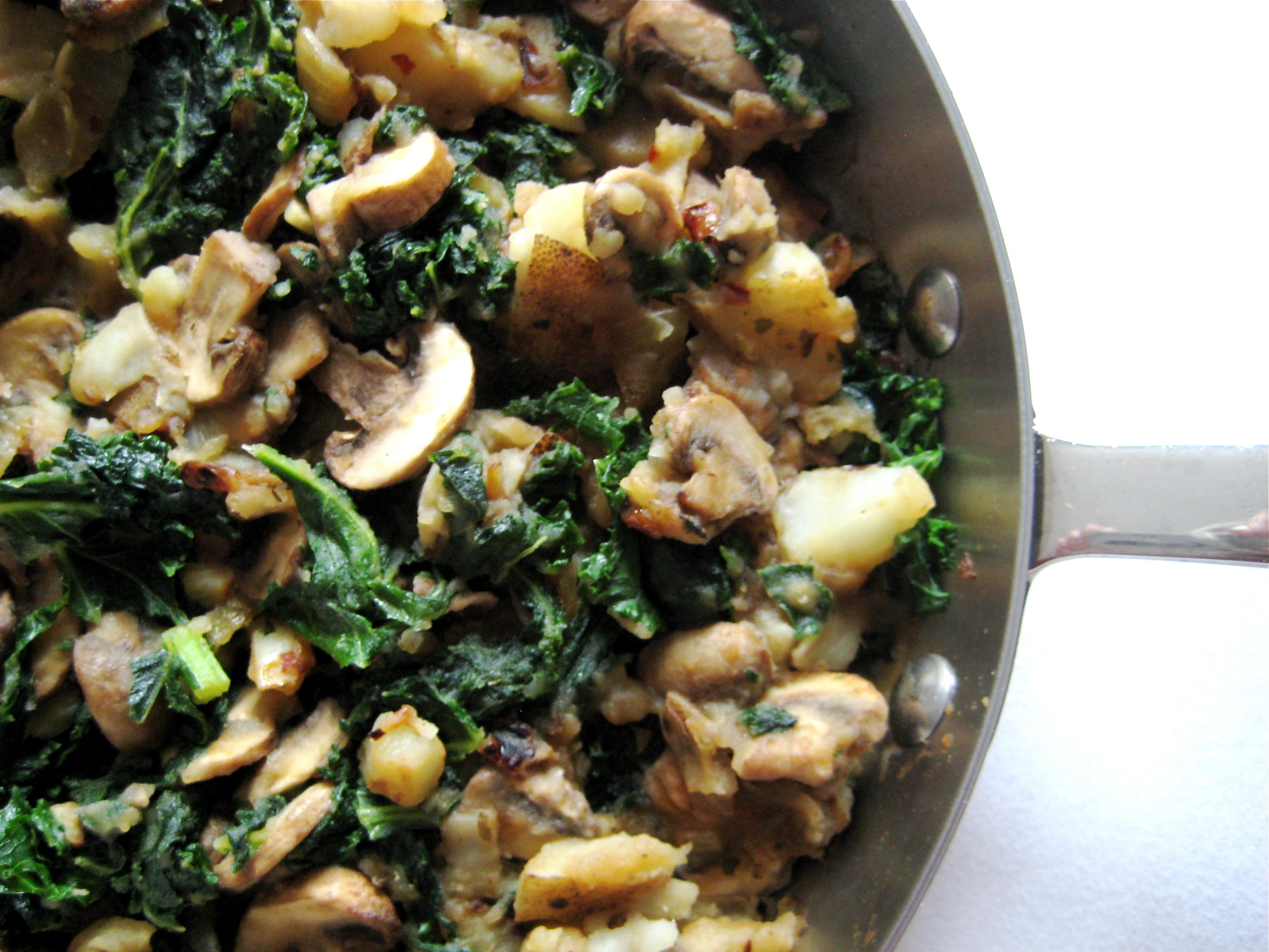 Kale potato and mushroom skillet laurie sadowski potato kale mushroom skillet forumfinder Images