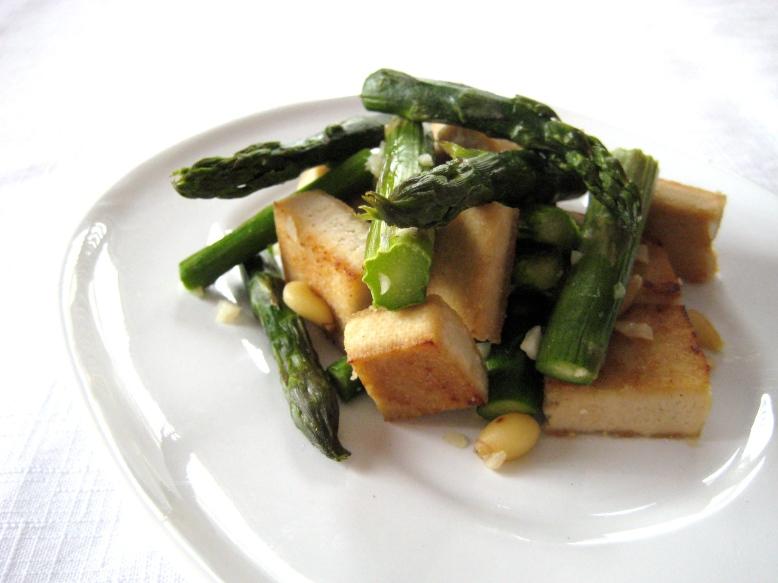 tofu and asparagus
