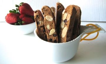 strawberry chocolate chip almond biscotti