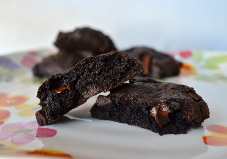 gluten-free vegan red-wine spiked double chocolate chunk cookies 2
